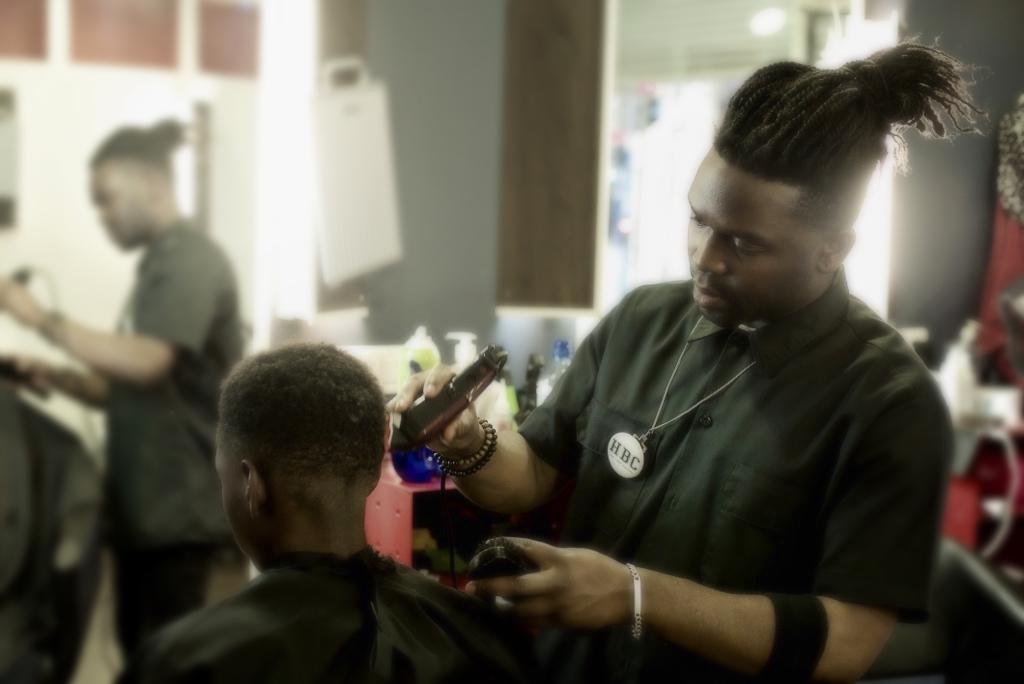 Accueil salon de coiffure hbc coiffure montpellier - Salon de coiffure africain montpellier ...